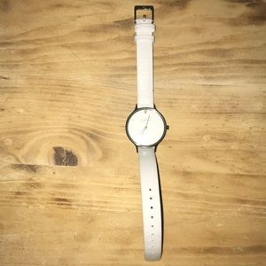 Selling a Skagen silver watch with white strap